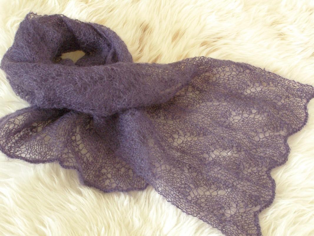 http://3.bp.blogspot.com/_EdTLsV4aqiE/TO12TwpiVaI/AAAAAAAAAU8/cdg-MJkw-_Y/s1600/Lace+scarf.jpg