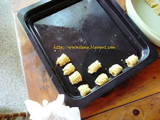 Pineapple Cookies on a Tray