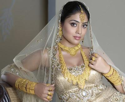 Shivaji girl turns to Marmayogi girl, Kollywood actress Shriya going to pair with Kamalhassan