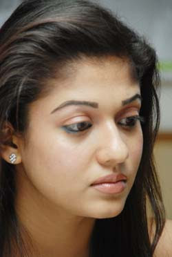 SouthIndian Actress Nayanthara denies newpaper reports