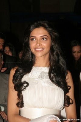 Bollywood Actress Deepika Padukone Stills in Kelvinator Awards