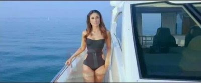 Bollywood new movie Kambakkht Ishq bikini scans for Kareena Kapoor and Amrita arora