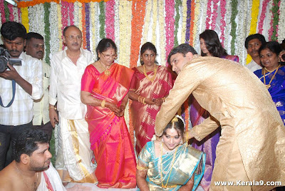 South Indian Famous Actress Meena Marriage Photos Gallery
