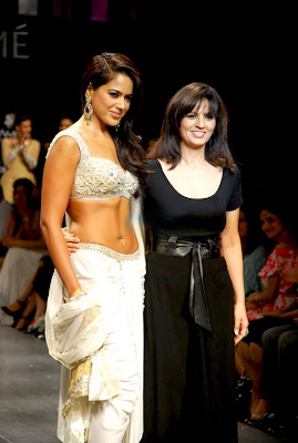 Bollywood and south Indian actress Sameera Reddy in Lakme Fashion Week Spring-Summer 2009