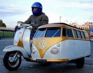 ini mobil apa motor y? .. atau mini bus bermotor roda tiga .. hehe