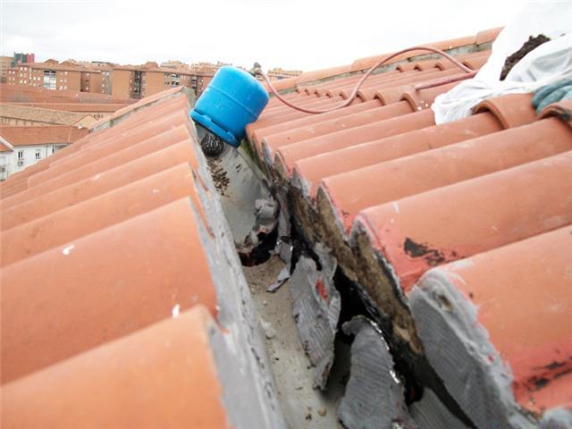 Los canalones reparar y limpiar canalones madrid - Precio de canalones de pvc ...