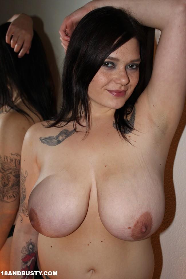 nude pics clio suicidegirl