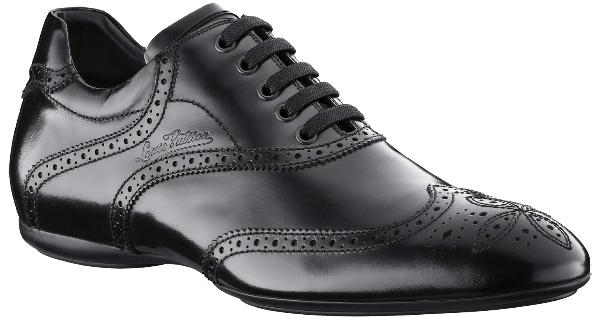 black sneakers look like dress shoes dressed for less
