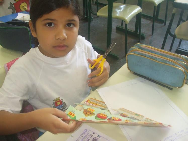 Atividade com encartes de supermercado - alimentos saudáveis - 20-10-2010