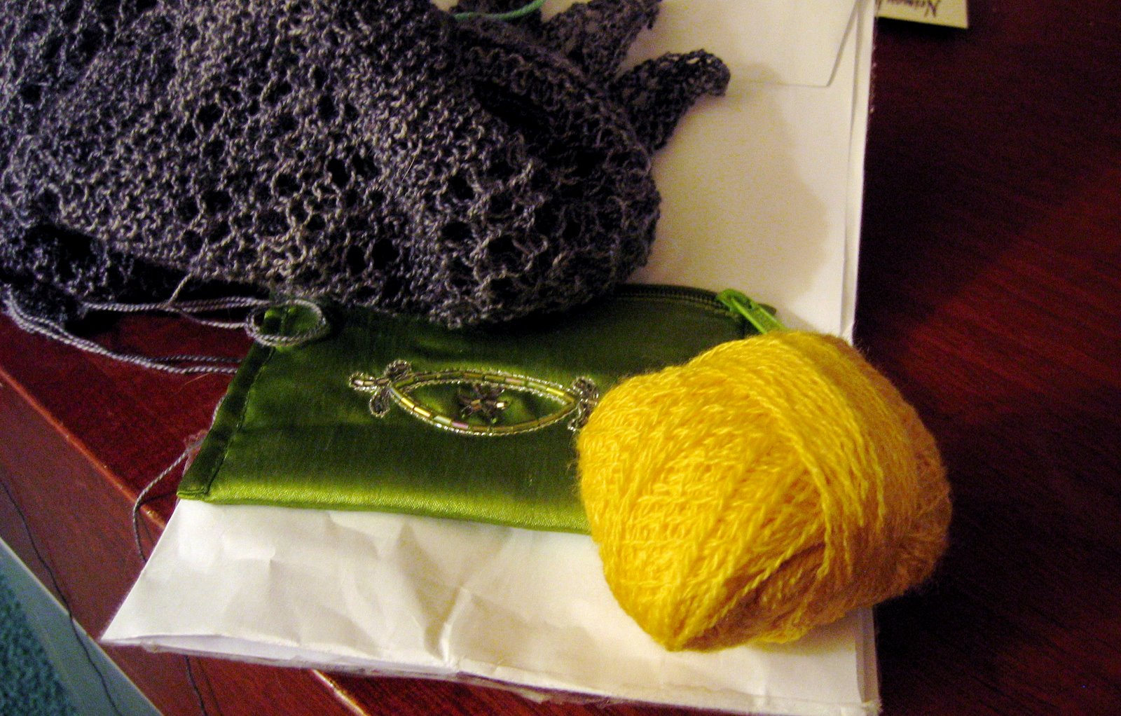 [Trenna+lace+scarf+with+YELLOW]