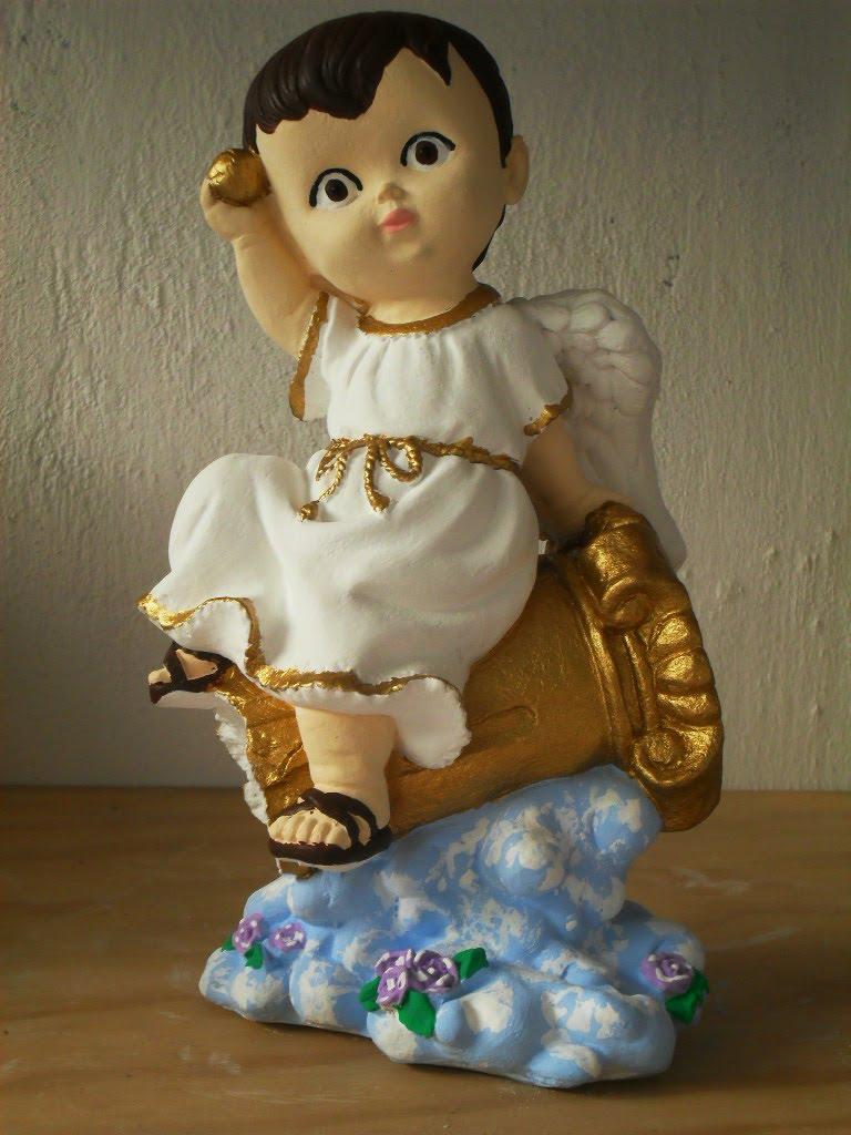 Figuras de yeso angelito p bautizo sentado en una columna - Angelitos de yeso ...