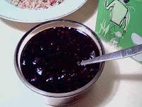 Hallon- och blåbärssylt