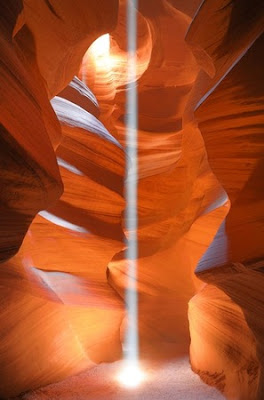 Beam of light at Antelope Canyon, Can Balcioglu