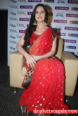 jarin khan red saree