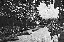 48b0c626f9fb La organización del jardín era axial y simétrica y estaba incluso diseñado  como una carpeta