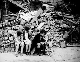 Crianças em meio a destruição de Saravejo