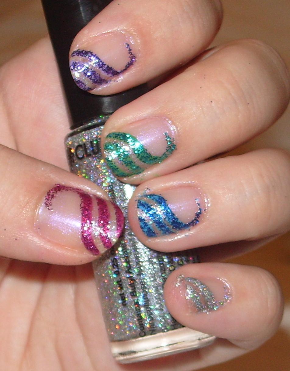 sharihearts: Wavy Glitter Stripes Nail Art
