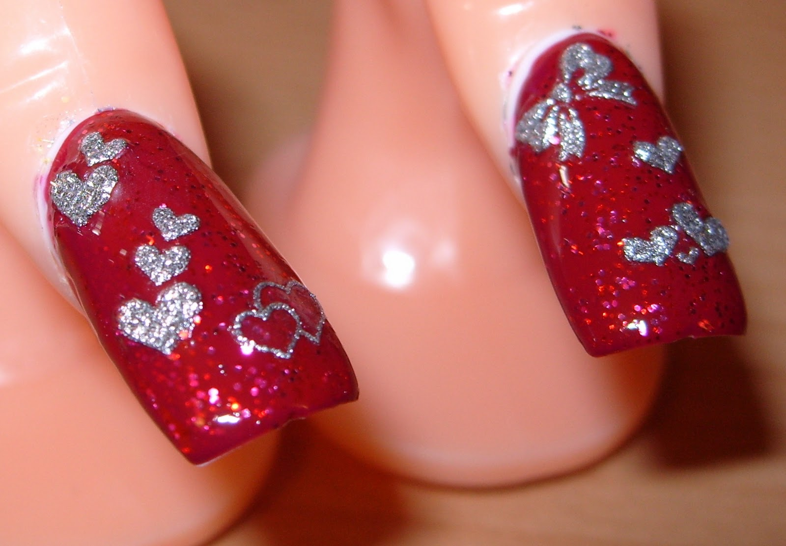 sharihearts: Red and Silver Valentine\'s Day Nail Art