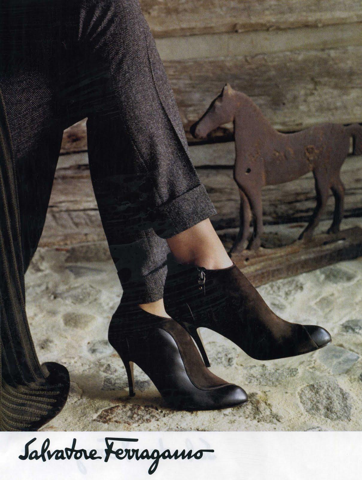http://3.bp.blogspot.com/_Ek3cchny-Xw/TKyeCk7OBhI/AAAAAAAABhs/6ma5K-G6Rw8/s1600/Equestrian+Fashion+BAZAAR+2010080.jpg