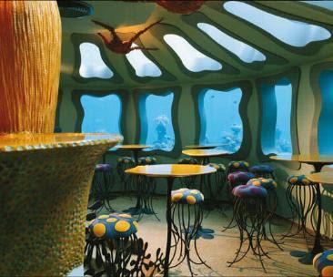 restaurante en el fondo del mar