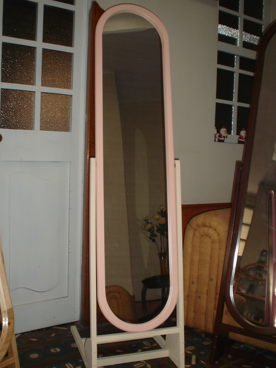 Hobby hogar espejos de pie for Espejos decorativos de pie