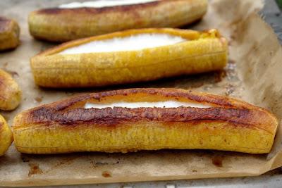 Plátanos Asados a la Hawaiana