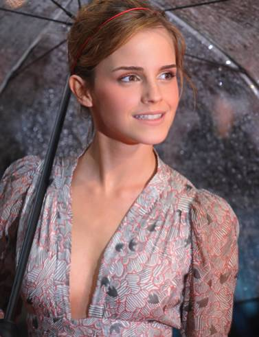 Hollywoods Very Young Teen Actress Emma Watson Celebrity Gossips Photos