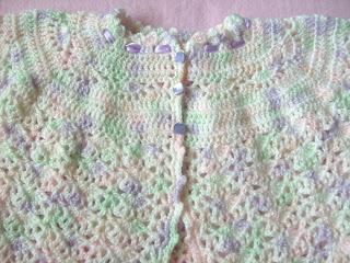 Chaleco Tejido A Crochet  Con Una Suave  Binacion De Colores  Lana
