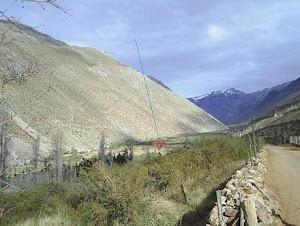 El Refugio se encuentra ubicado en el plano centrado en la mitad del valle