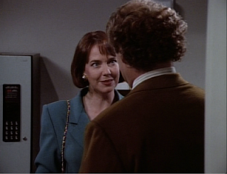 Bebe Glaser introduces herself to Frasier
