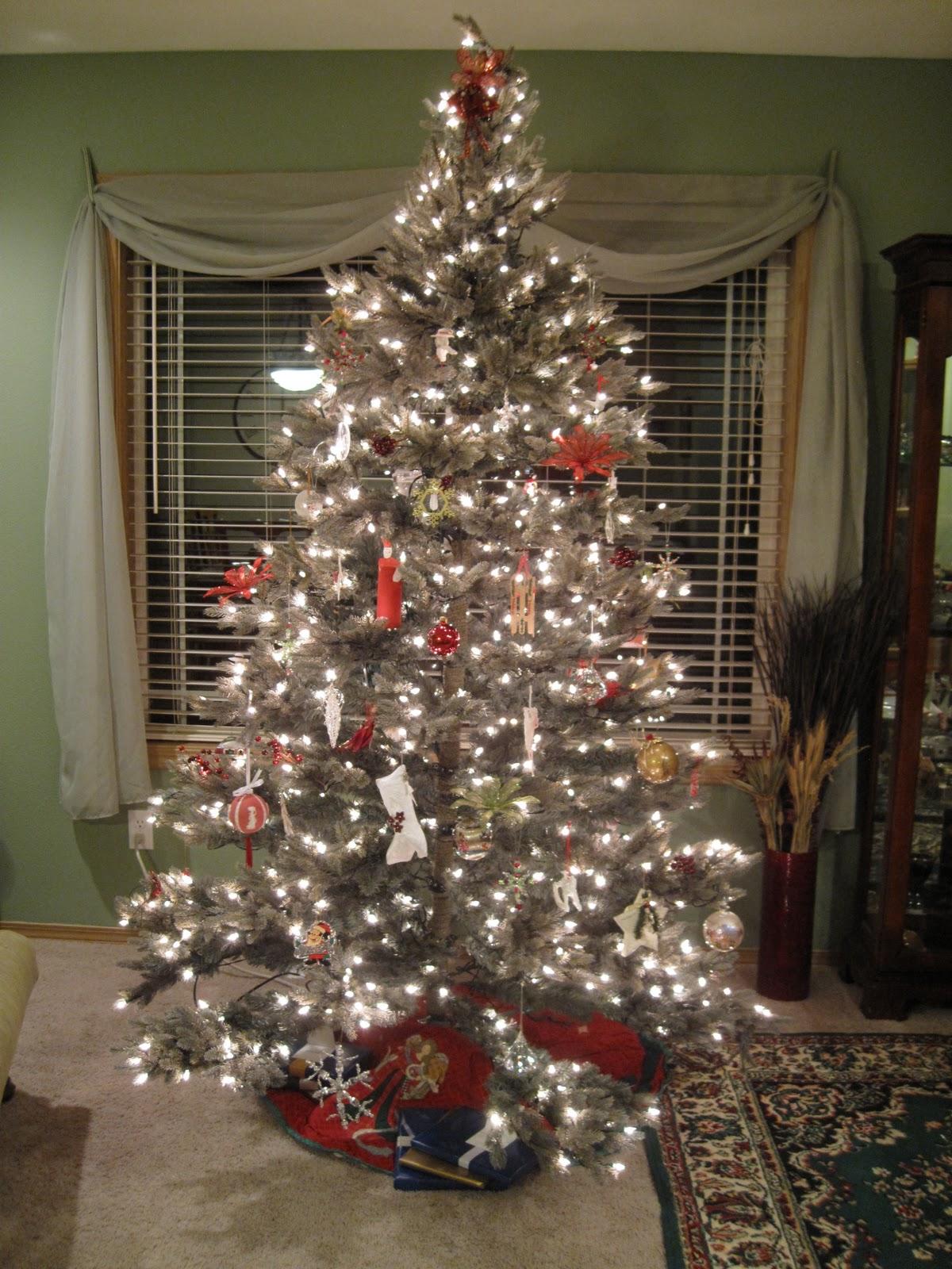 Bonney Lassie Christmas Tree 2010