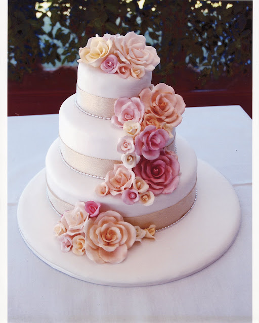 Sugar Rose Cake Design : Wedding Cake Enchantress: Cake Decoration Sugarcraft Roses