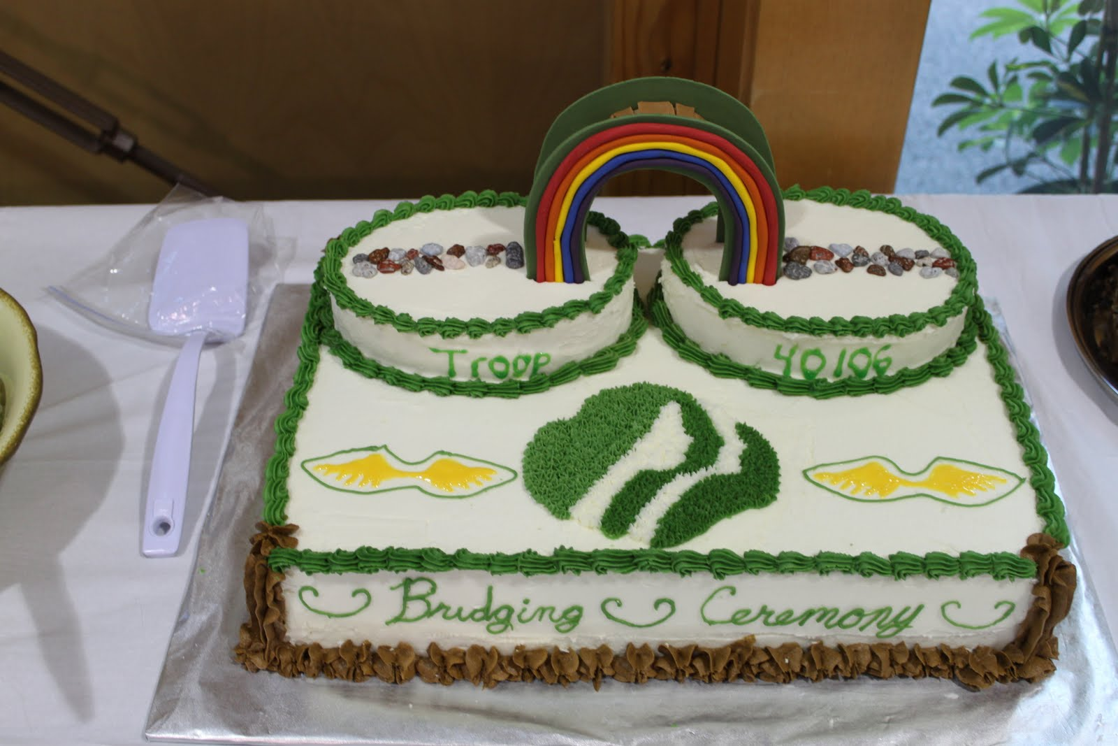 Cake Ideas For Girl Scouts : girl scouts on Pinterest Girl Scout Bridging, Troops and ...