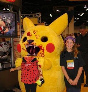 Pikachu comendo cabeça de menina! Que horror!