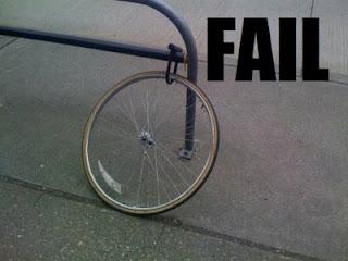 Mãeeeeee, roubarão minha bicicleta...