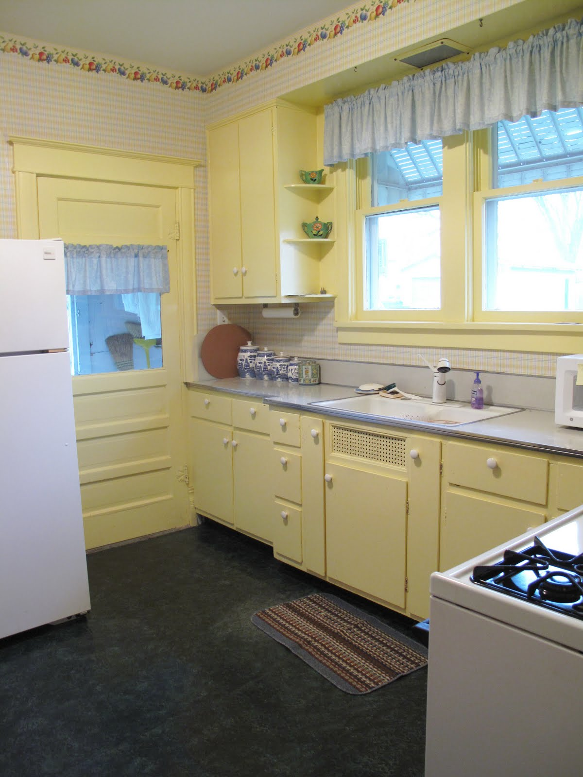 Blue and Yellow Kitchen Cabinets