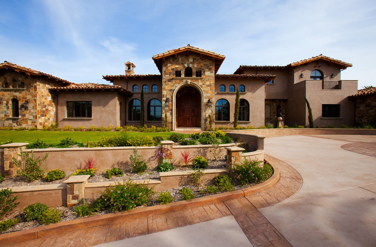 Landscaping and quotes pictures of front yard tuscan for Tuscany houses