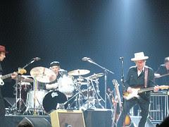 die met die witte hoed is dus Bob Dylan
