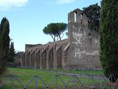 La Chiesa del Castrum Caetani a Cecilia Metella