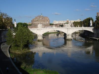 Ponte Vittorio Emanuelle II, detrás el Castel Sant'Angelo