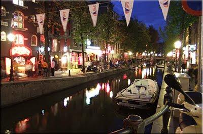 Por la noche Amsterdam no duerme