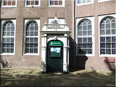 Entrada a la capilla de Begijnhof