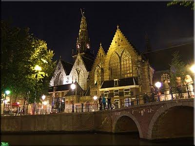 Oude Kerk - Iglesia Vieja