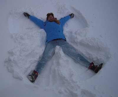 making snowangels