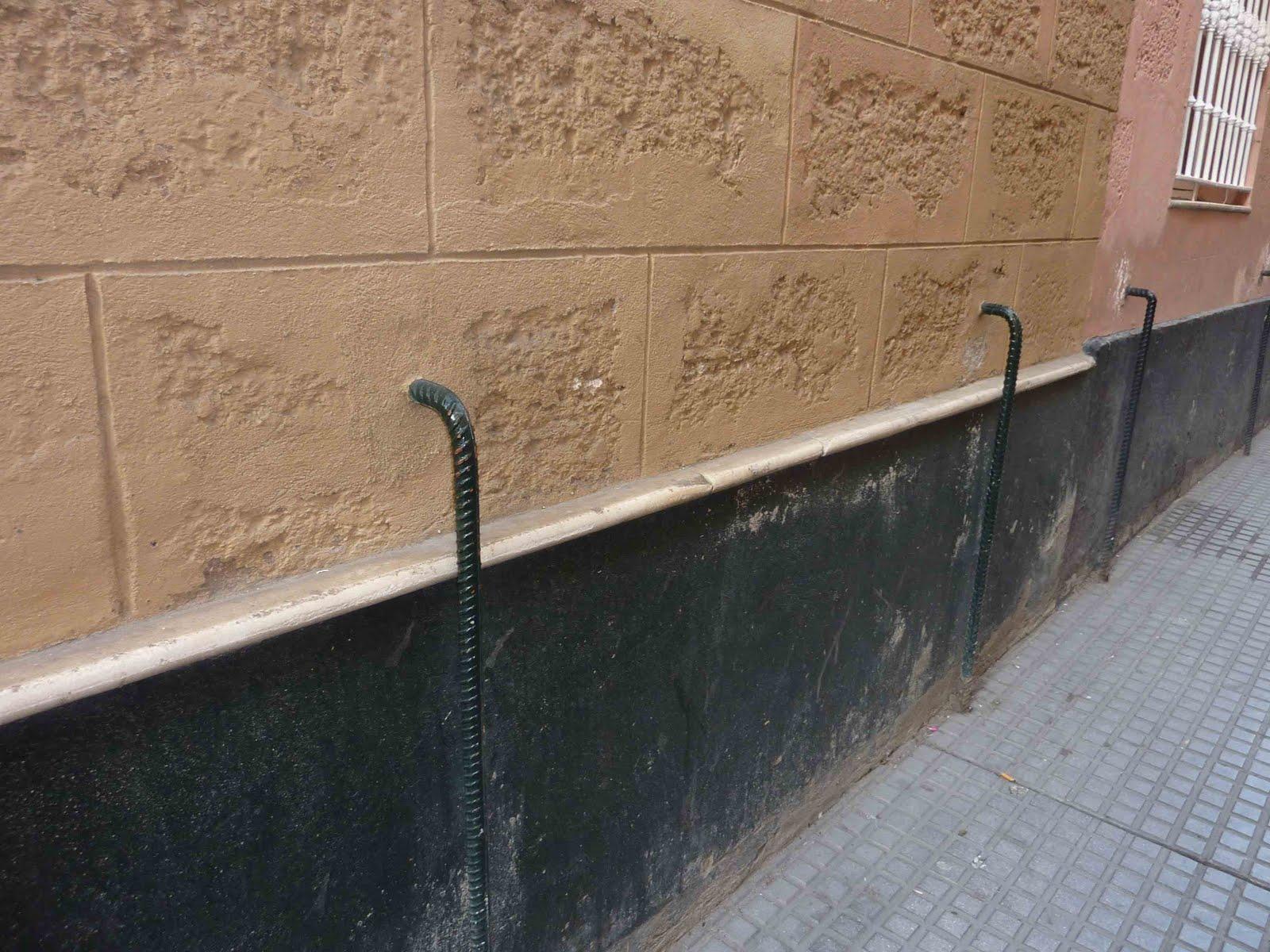 Celtibetico Esos Raros Hierros De Cadiz - Zocalos-de-fachadas