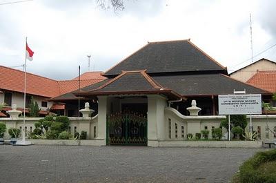 Jasa Sewa Wedding  Jakarta on Sewa Mobil Jogja  62 274 7004804   62 8562944387 Jogja Rent Car Jogja