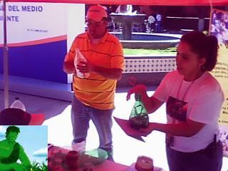 TALLER DE  RECICLADO  POR EL DIA MUNDIAL DEL MEDIO AMBIENTE