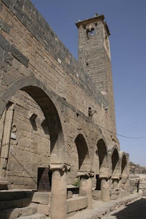 Mosque of Omar, Bosra.jpg