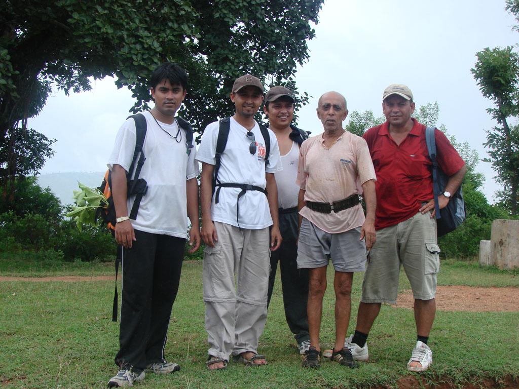 [Nepalthok+to+Dumjha+to+Nepalthok,+Sunday,+Aug+12,+2007+203.jpg]
