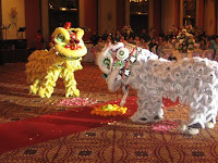 The lion dance show, a surprise presentation dedicated by Shahira to Simon